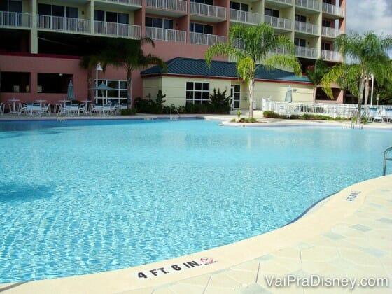 Imagina aproveitar essa piscina do Blue Heron no verão quente de Orlando?