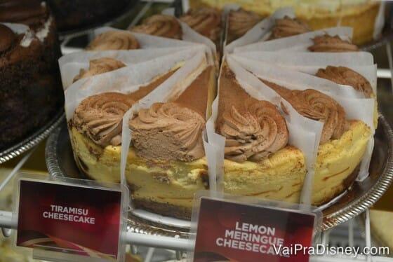 Boa sorte na hora de escolher o cheesecake! É muito difícil decidir só por um sabor!