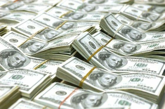 Alta do dólar: como economizar?