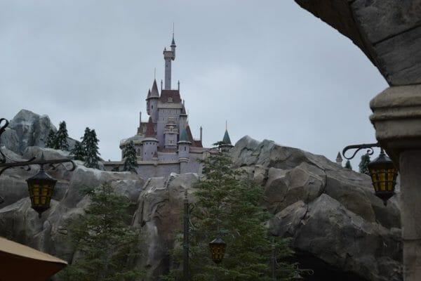 Castelo da Bela e a Fera onde fica o Be Our Guest.