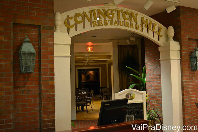 Restaurante onde acontece o café da manhã com personagens no Hilton Lake Buena Vista