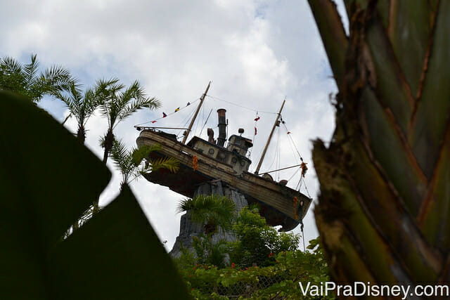 Miss Tilly no alto do Mount Mayday no Typhoon Lagoon
