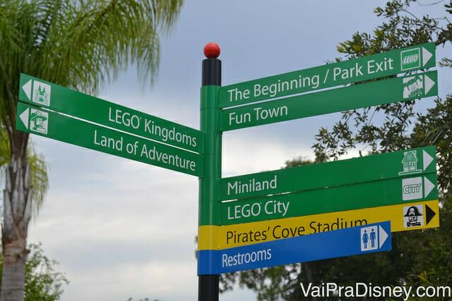 Placas indicativas no Legoland Florida