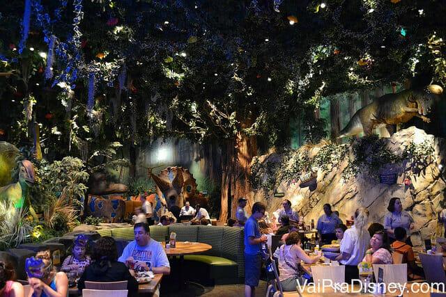 A área da floresta tropical no T-Rex. Pra mim a mais tranquila e calma do restaurante. Mesmo assim, barulhenta.