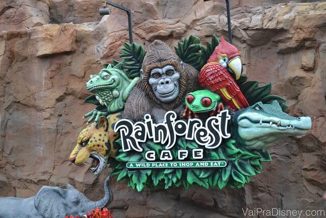 O Rainforest Cafe é outro restaurante legal tematizado a ser considerado.