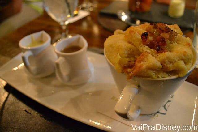 Esse bread pudding do Raglan Road é SENSACIONAL!