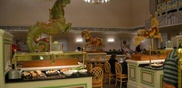 Quem conhece nota a influência da Mary Poppins na decoração desse restaurante