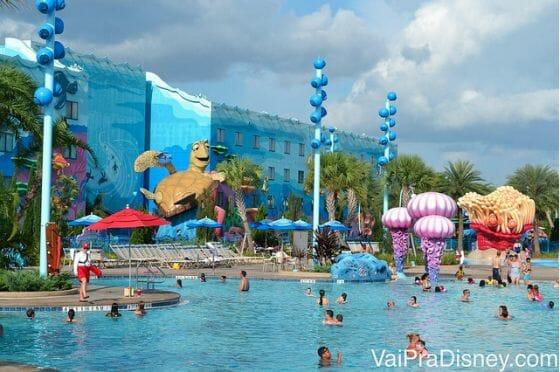 O Art of Animation é um dos hotéis mais populares atualmente. Sua piscina do Nemo é a maior piscina da Disney inteira. Ela tem caixas de som para que você consiga escutar a música debaixo d'àgua.