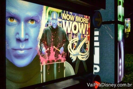 Placas do Blue Man Group espalhadas pelo CityWalk da Universal