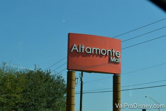 O Altamonte Mall, em Altamonte Springs é muito mais vazio do que os demais shoppings e traz as principais lojas que buscamos em Orlando.