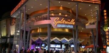 Splitsville traz além de boliche, um ambiente gostoso com boa comida e boa música.