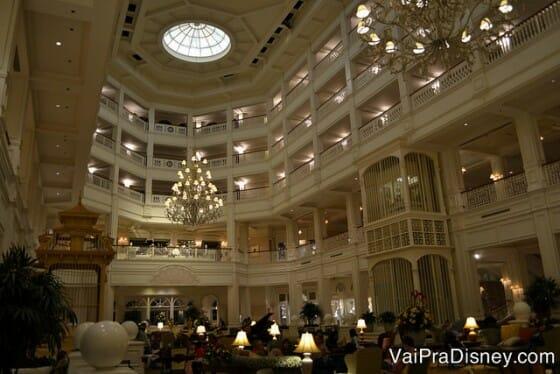O Grand Floridian é um dos hotéis mais imponentes da Disney.