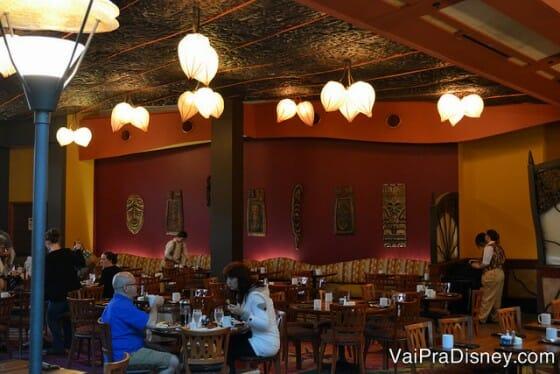 O Kona Cafe é bem mais tranquilo que os restaurantes buffet para café, o que eu adoro!