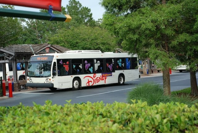 Transporte gratuito dentro da Disney
