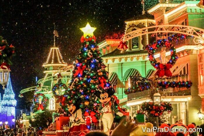 Eventos especiais como a festa de Natal, Halloween, Extra Magic Hours afetam a sua programação, então é melhor considerá-los mesmo que você não vá participar deles!