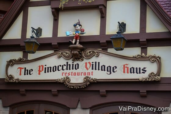 Adoro o Pinochio Village Haus, no Magic Kingdom. Simples mas bem gostoso.