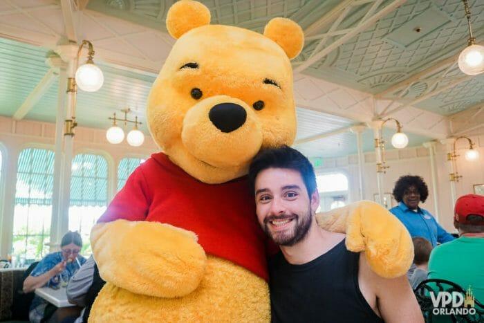 O Crystal Palace no Magic Kingdom tem café, almoço e jantar com personagens da turma do Pooh