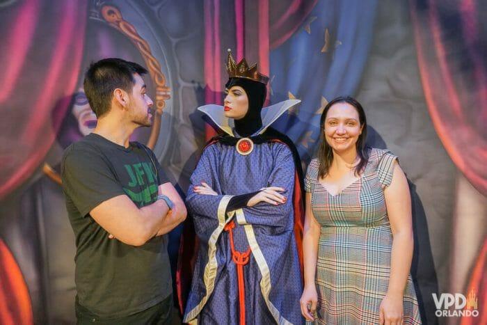Como reservar restaurante na Disney - Rainha Má da Branca de Neve no jantar do Storybook Dining