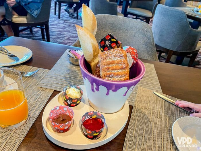 Café da manhã do Topolino's Terrace