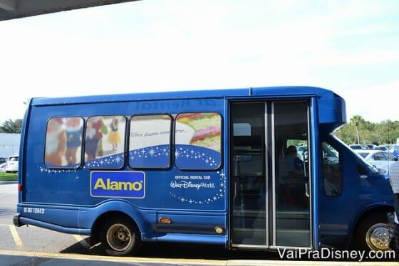 Shuttle da Alamo que te busca de graça nos hotéis da Disney