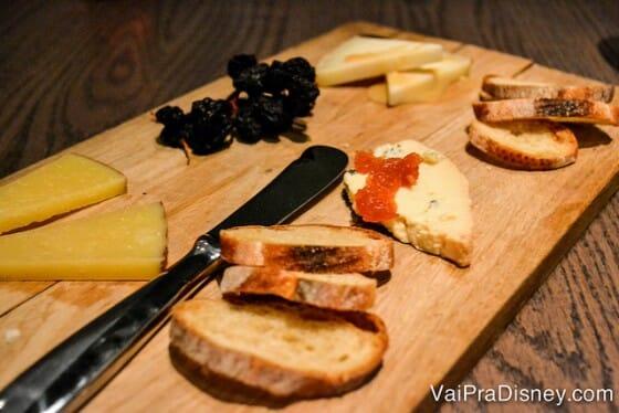 Tábua de queijos deliciosa.
