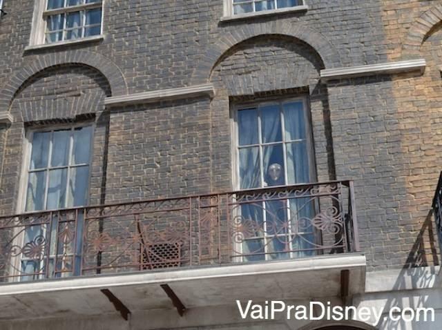 Detalhe do Kreacher/Monstro aparecendo na janela!