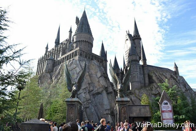 O castelo da Cinderella está longe de ser o único importante em Orlando. Hogwarts, na Universal, também já é um clássico!