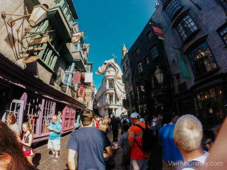 O beco diagonal é demais! A gente se sente dentro do mundo do Harry Potter.