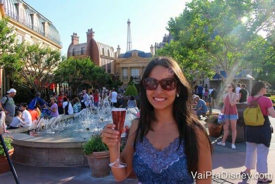 Se quer fazer o Drinking Around the World, tem que ser elegante igual a Cati! :D