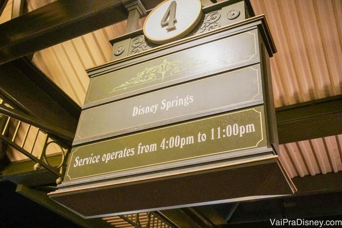 Os ônibus dos parques para o Disney Springs só começam a rodar a partir das 16h