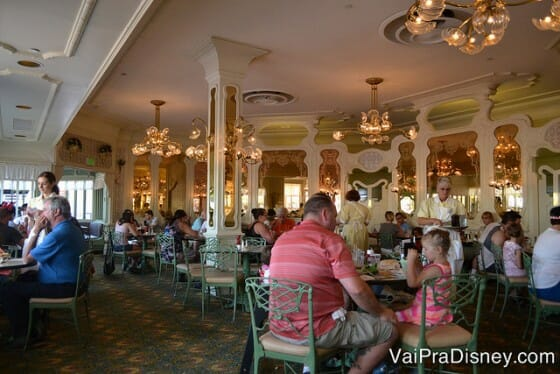 Um pouquinho do The Plaza Restaurant por dentro.