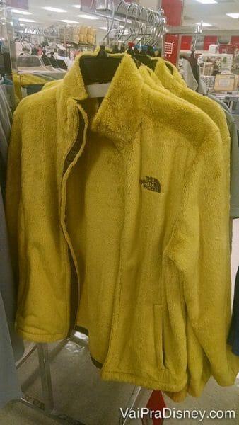 Queria um casaco? Queria! Queria um dessa cor? Não, muito obrigada!