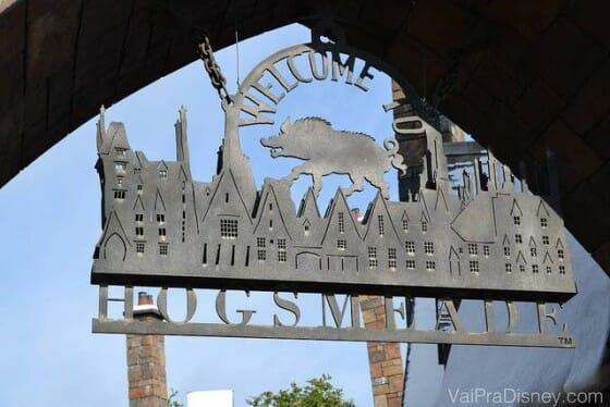 Entrada da vila de Hogsmeade no Islands of Adventure