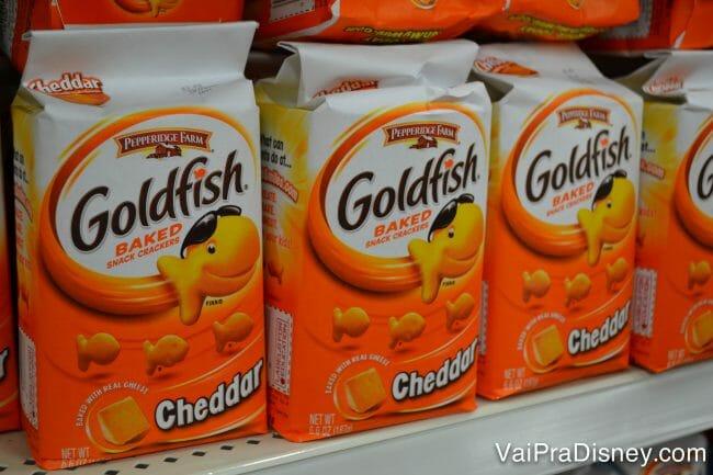 Eu nunca gostei desse negócio, mas esse salgadinho Goldfish faz maior sucesso nos EUA e eu sempre vejo nos parques.