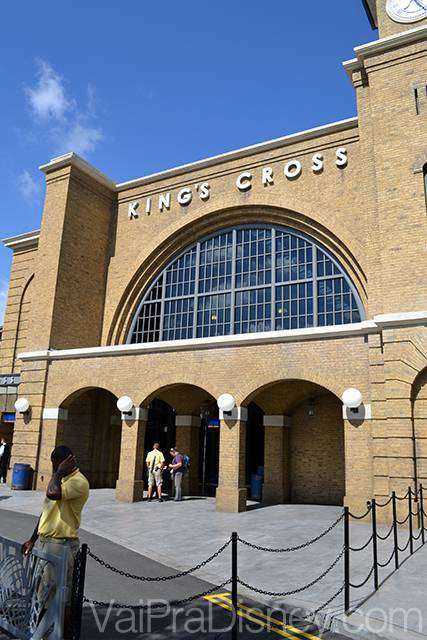 Estação de King Cross de onde parte o Hogwarts Express em direção ao Islands of Adventure
