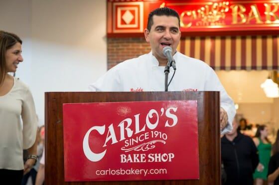 Buddy Valastro, o famoso Cake Boss, na inauguração da Carlo's Bakery de Orlando.