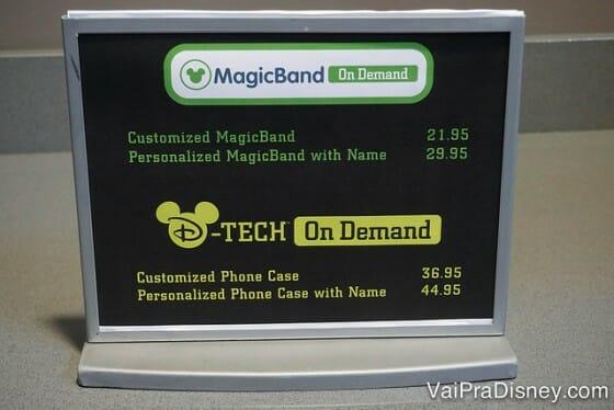 Veja que a MagicBand com nome é um pouco mais cara.
