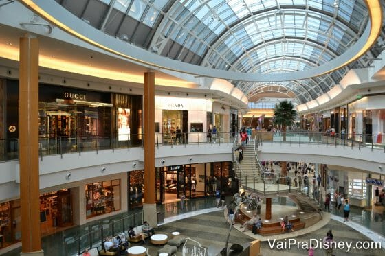 Aproveite as liquidações do feriado para compras!
