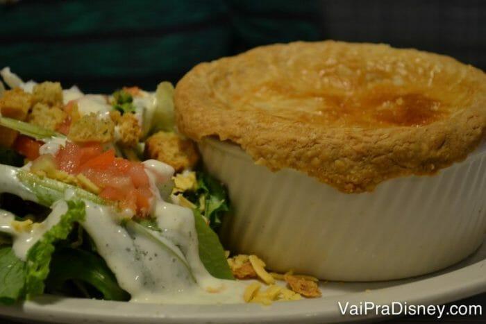 Chicken Pot Pie! Meu prato preferido mas como é feota fresquinha todos os dias, muitas vezes esgota!