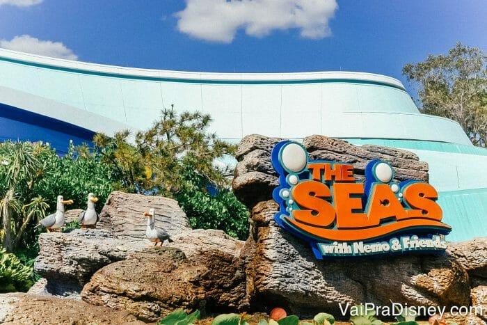 Se tiver tempo sobrando, a atração do Nemo no Epcot é bem bonitinha.