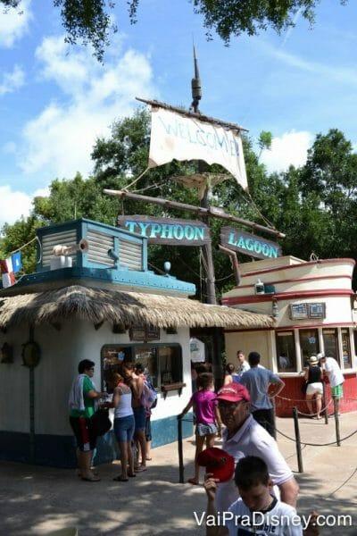 E-ticket da Disney: Os parques aquáticos são quase desertos para trocar os ingressos.