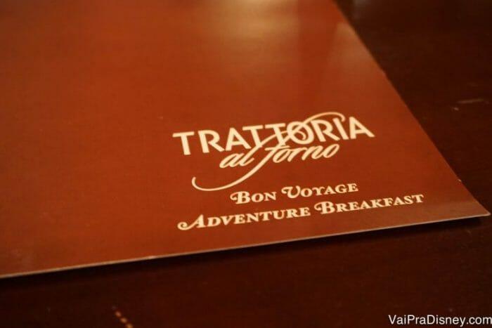 O Bon Voyage Adventure Breakfast tem cardápio! Não é buffet como tantos outros cafés com personagem.