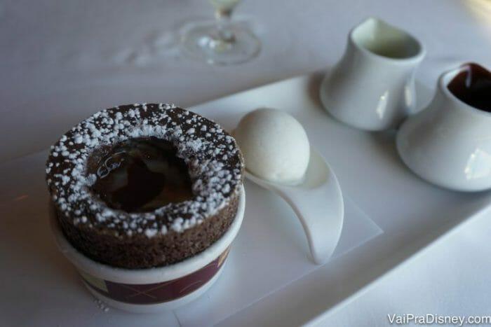 O soufflé de chocolate do Palo também é muito gostoso.