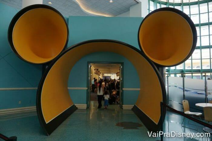 O portal por onde começa o sonho do cruzeiro em Port Canaveral! <3