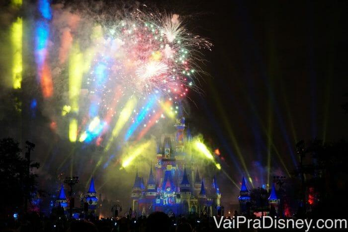Muitos personagens clássicos estão presentes, como Toy Story, Hércules, Corcunda de Notre Dame