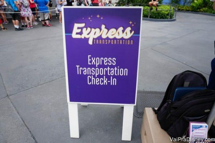 O Express Transportation tem como objetivo te permitir se deslocar mais rapidamente entre os parques.