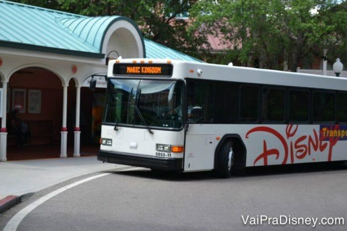 O Express Transportation não passa pelos hotéis da Disney, só pelos parques temáticos mesmo.