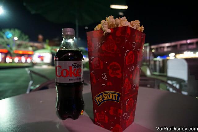 Bebidas (incluido sucos e água) e pipoca a vontade durante o After Hours do Magic Kingdom