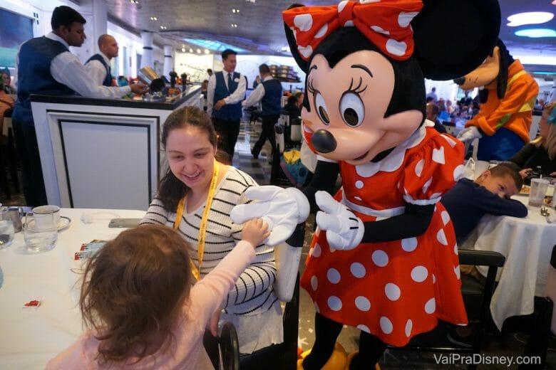 A gente carrega 9 meses pra ser trocada pela Minnie, mas tudo bem!
