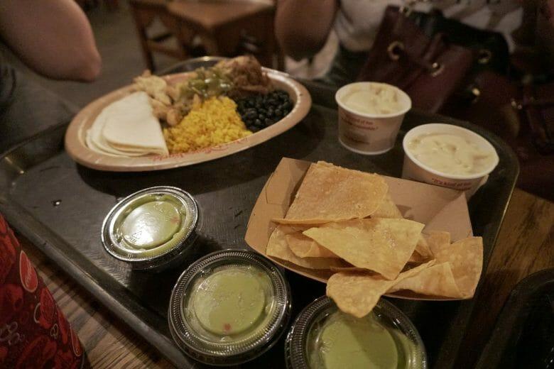 Comida mexicana super gostosa (inclusive mais gostosa do que bonita) do Pecos Bill, no Magic Kingdom.